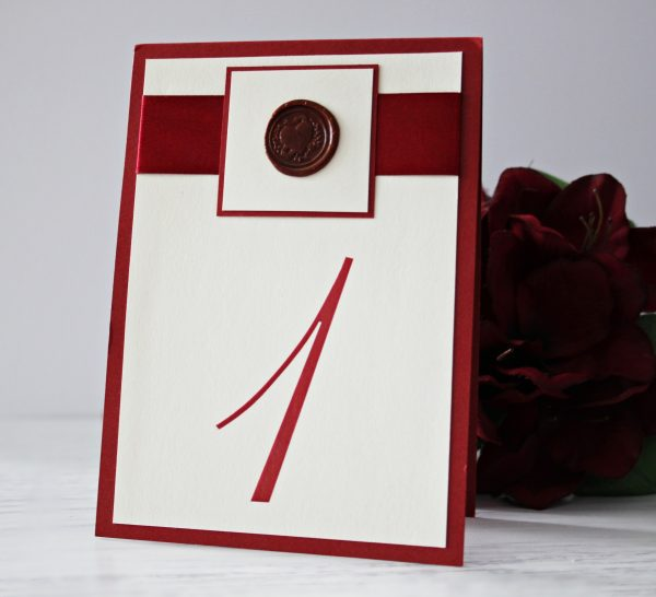Номер за маса Скарлет | РАДЕКОР | Опаковане на подаръци