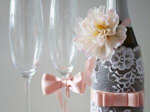 Украса за чаши и шампанско Грация Цена - 28.00 лв. Цената не включва чашите.