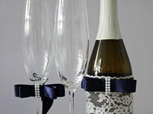 Украса за чаши и шампанско Стил Цена - 26.00 лв. Цената не включва чашите.