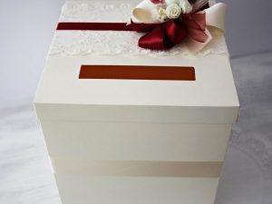кутии за пари и поздравления