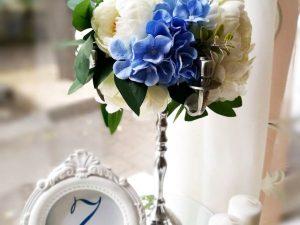 Цветна аранжировка от изкуствени цветя