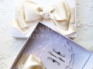 Сватбена покана Айвъри – екрю Покана за кумове и родители