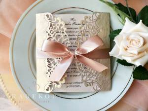 Покана Мелъди – розово злато Дантелена сватбена покана